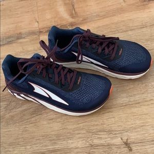 Altra, Zero Drop Running Shoes Mint Condition
